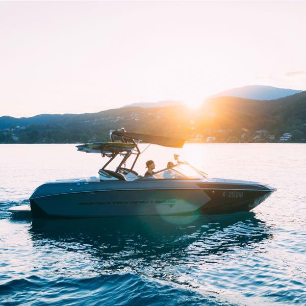 bubbles services-boat-detailing